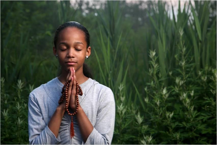 Joven-meditando (1)