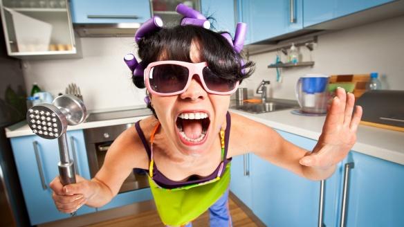 crazy-housewife-1920x1080